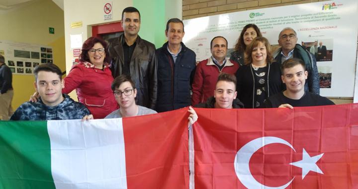 Akhisar Çağlak Anadolu Lisesi yeniden Avrupa'da