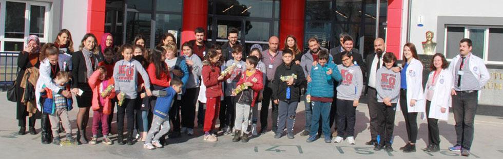 Eksen Okulları öğrencileri en özel arkadaşlarını misafir etti