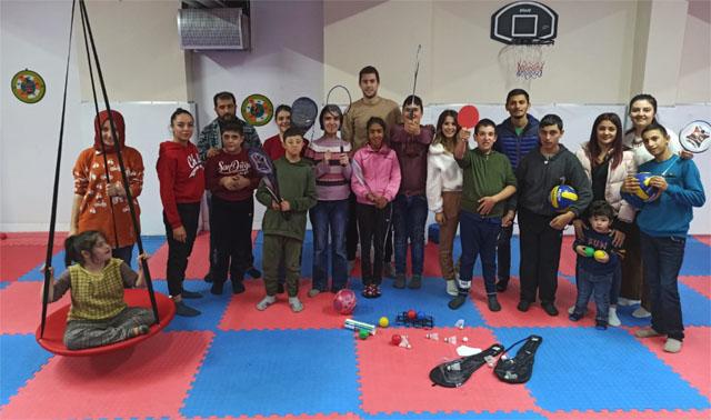Grup Şimşek Proje Grubundan öğrencilere malzeme yardımı