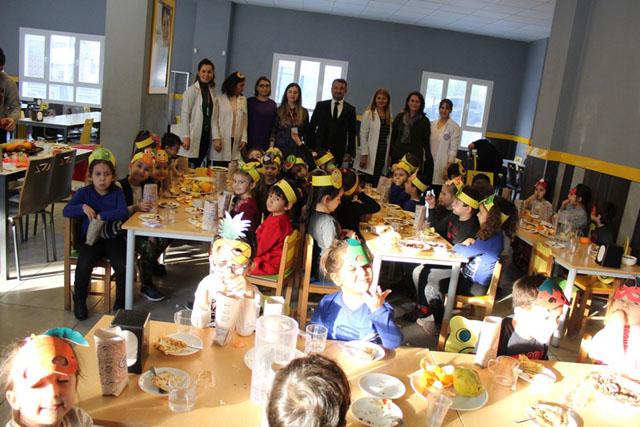 Eksen Okulları tutum, yatırım ve yerli malları haftasını kutladı