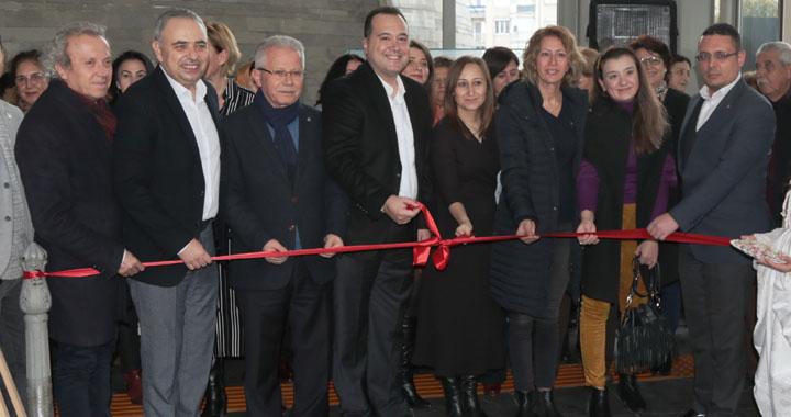 Akhisar'da Alüminyum ve Kağıt Rölyef sergisi açıldı