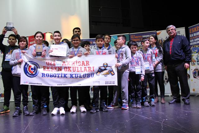 Eksen Okulları Robotik Kulübü, tüm şampiyonluklara ambargo koydu