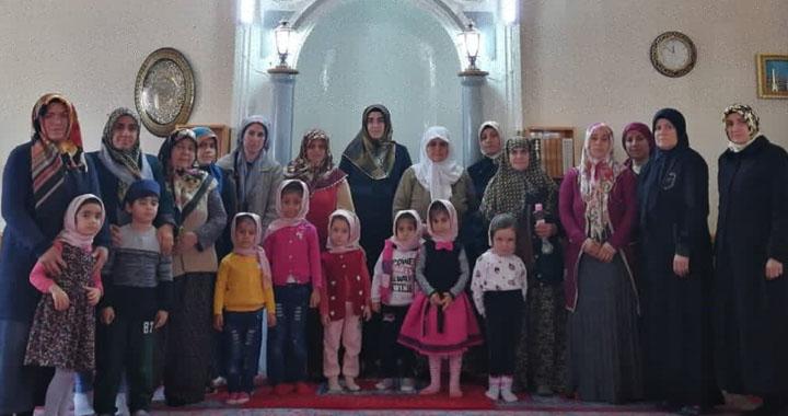 ADRB Vaizi Fatma Şener'den Kuran Kursu öğrenci velilerine seminer