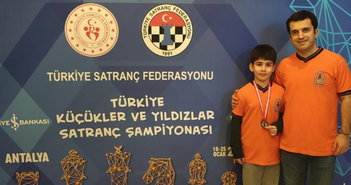 Akhisarlı satranççı milli takım havuzuna katılma hakkı kazandı
