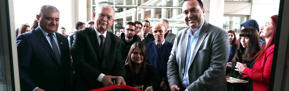 İki Nesil El Ele karma sergi açıldı