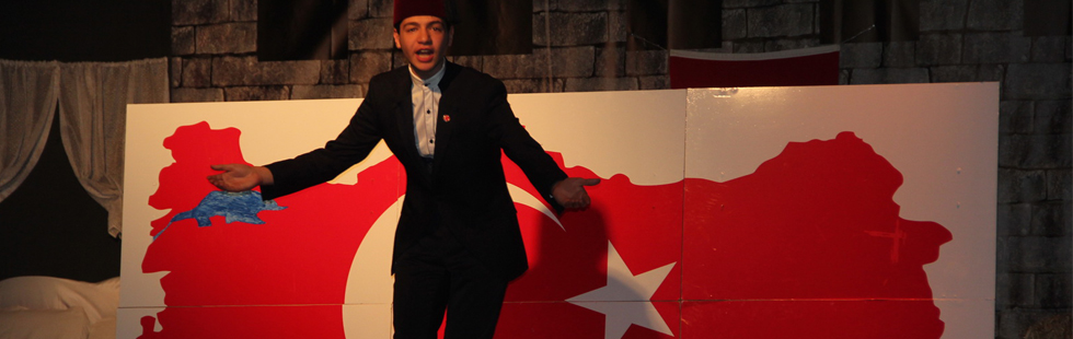 Akhisar'da İstiklal Marşı'nın 99.yıldönümü kutlanırken ve Mehmet Akif Ersoy anıldı