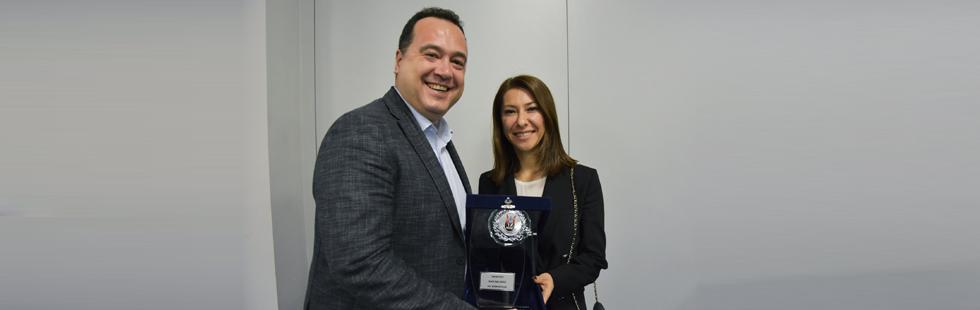 Besim Dutlulu'ya 'Yılın Belediye Başkanı' Ödülü
