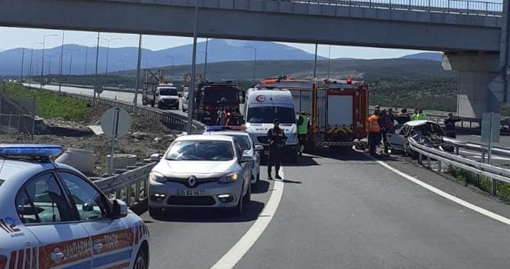 Akhisar'da kaza 3 ölü 1 yaralı
