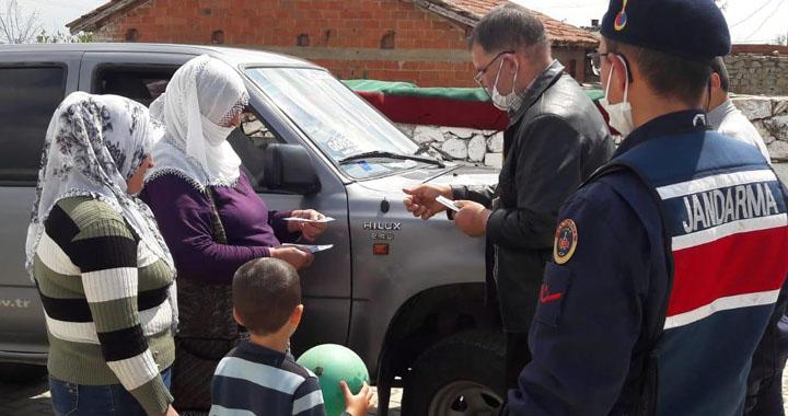 Yardım paraları evlere teslim ediliyor
