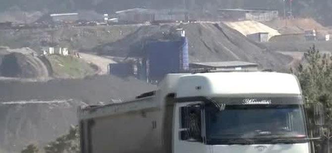 Soma'da maden ocağında göçük 1 ölü, 2 kişiyi kurtarma çalışmaları sürüyor