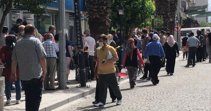 Akhisar'da maske takmayan 10 kişiye 3 bin 920 TL ceza