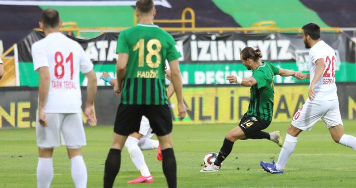 Akhisarspor, Ümraniye'yi tek golle geçti 1-0