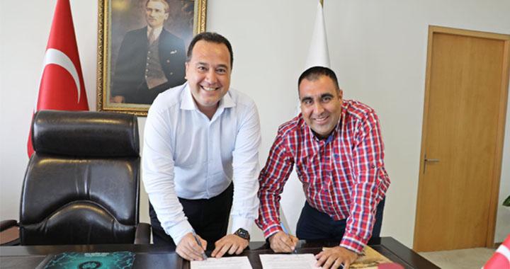 Akhisarspor'un yeni göğüs sponsoru Akhisar Belediyesi oldu