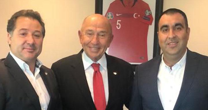 Akhisarspor Başkanı, TFF Başkanını makamında ziyaret etti