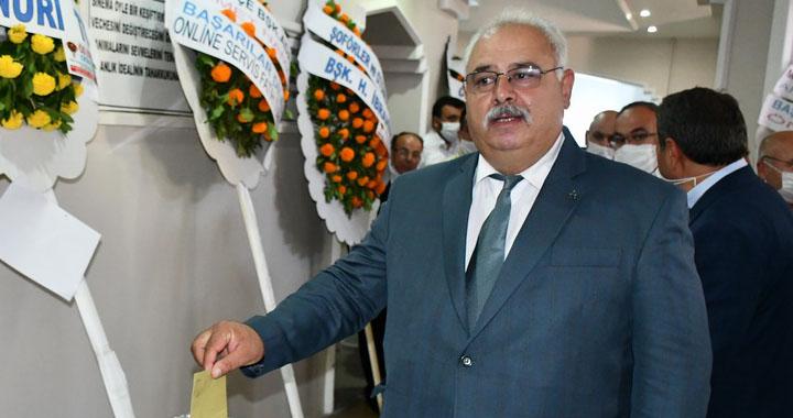 MHP'de Ahmet Namal güven tazeledi