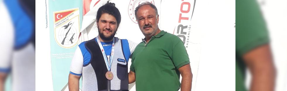Akhisarlı atıcı, Türkiye Şampiyonasından madalya ile döndü