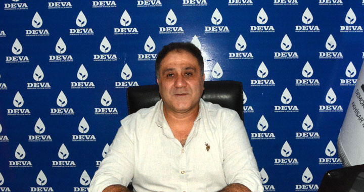 Deva Partisi Akhisar'da Erhan Tepe'ye emanet