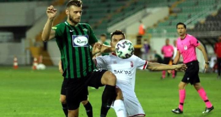 Akhisarsporlu Hadzic'e milli onur