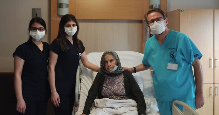 Özel Akhisar Hastanesi kanser cerrahisi ameliyatlarına devam ediyor