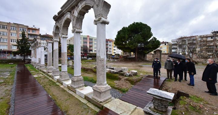 Vali Karadeniz'den, Akhisar'ın tarihi ve turistik mekanlarına ziyaret