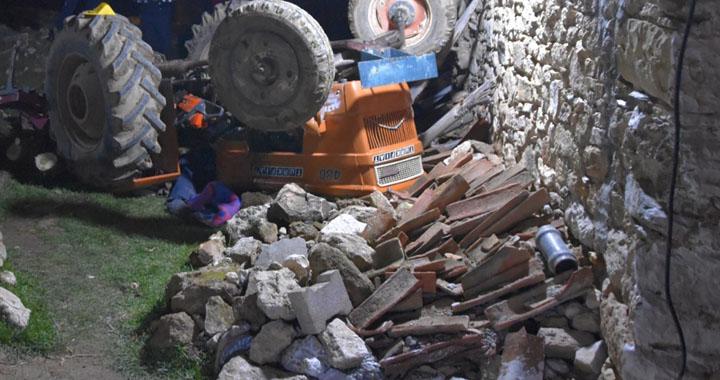 Akhisar Hamit köyünde traktör kazası 1 kişi hayatını kaybetti