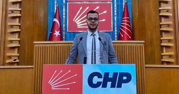 Akhisar CHP Gençlik Kolları Başkanı Serkan Kurban oldu