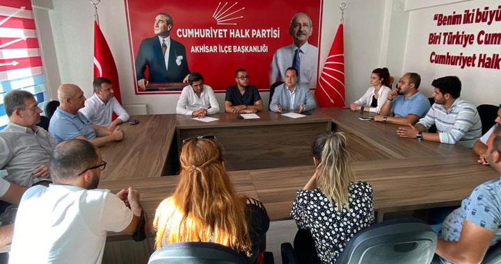 Başkan Besim Dutlulu, CHP'li gençlerle buluştu