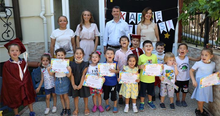 Akhisar Belediyesi Mahalle Kreşi ilk mezunlarını verdi