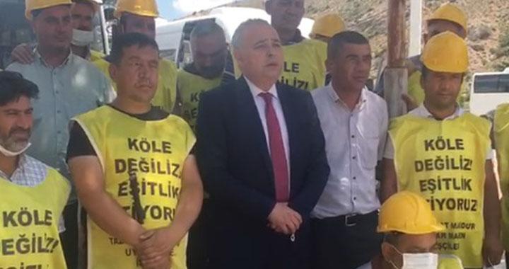 Bakırlıoğlu, Ankara'da Somalı  işçileri karşıladı