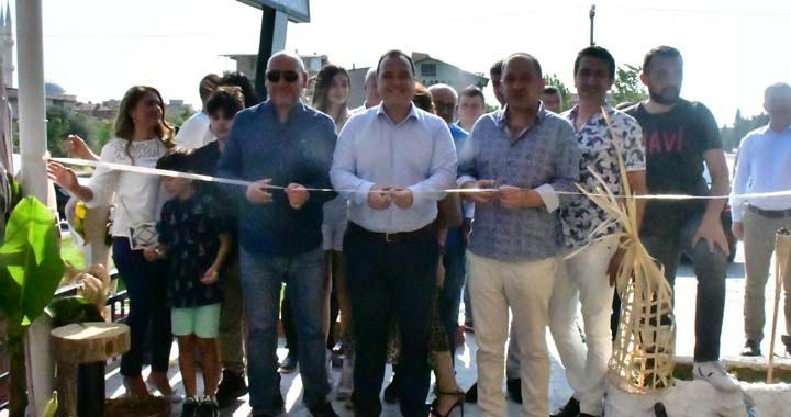 Cafe Miz Restaurant Akhisarlıların hizmetine açıldı