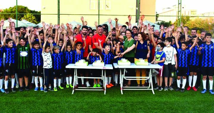 Asu Günsel futbol turnuvası izleyenleri mest etti
