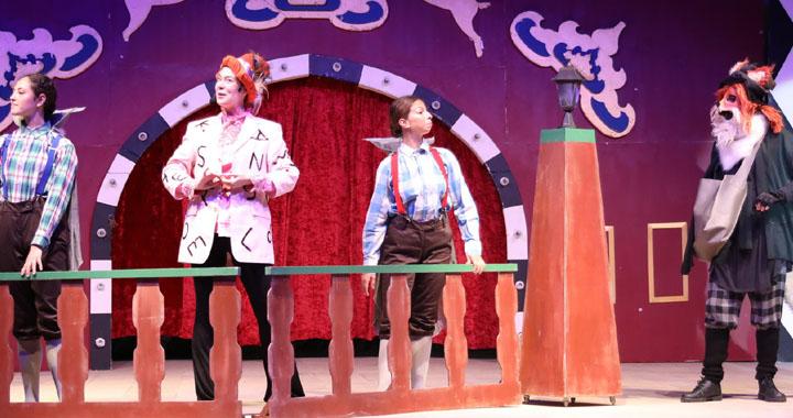 Çizmeli Kedi ve Pinokyo Müzikali, Akhisarlı çocuklarla buluştu