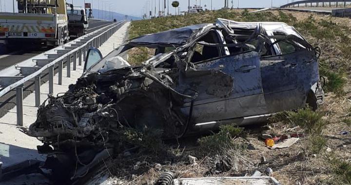 Akhisar'da otoyol üzerindeki kazada mucize kurtuluş