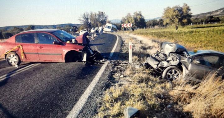 Akhisar-Sındırgı yolunda kazada 1 kişi öldü 6 kişi yaralandı
