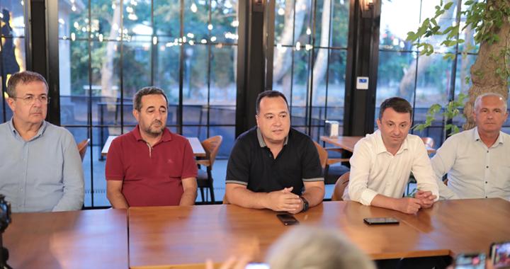 Akhisar Belediye Başkanı ve Başkan Yardımcılarının maaşı burs oluyor