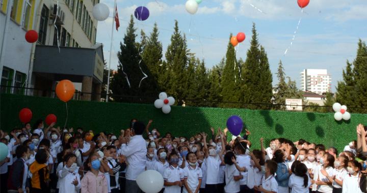 2021-2022 İlköğretim haftası Akhisar Namık Oğul İlkokulunda kutlandı