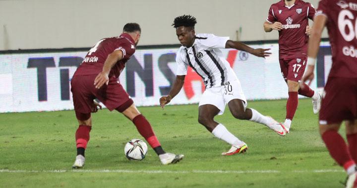 Manisa FK, evinde Bandırma'ya 1-3 mağlup oldu