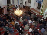 Miraç Kandilinde Akhisarlılar Camilere Akın Etti