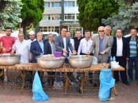 Ahilik Haftasında Bin 500 Kişiye İrmik Helvası Dağıttılar