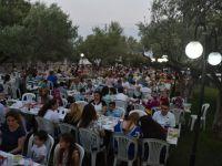 Akhisarlı Berber ve Kuaförler İftar Yemeğinde Buluştu