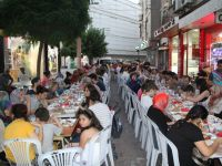 Akhisar'da 13 Sokak Esnafından Geleneksel İftar