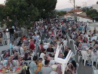 Çiçekli Camii'de düzenlenen iftara katılım yoğun oldu