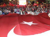 Akhisar'da demokrasi nöbeti 13.gününde