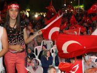Akhisar'da demokrasi nöbeti 16.gününde de devam ediyor