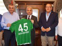 Vali Güvençer Akhisar Belediyespor'a Başarılar Diledi
