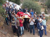 Akhisarlı Kıbrıs Gazisi toprağa verildi