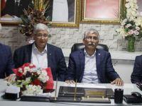 Akhisar'da Siyasi Partilerden Örnek Bayramlaşma Oldu