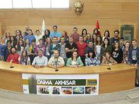 7 ülkeden 40 genç Akhisar'da zeytin toplayacak