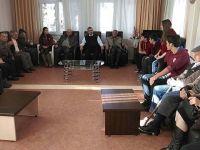 Özel Akhisar Eksen Temel Lisesi Huzurevini ziyaret etti