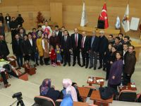 Akhisarlı AK gençler Milli Şair Mehmet Akif'i andı